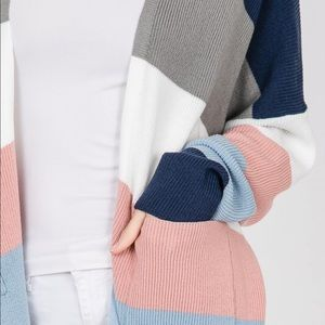 Sweaters - 🆕 Color Block Knit Sleeve Cardigan Sweater
